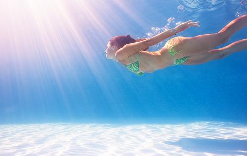 夢占い 海 泳ぐ 溺れる