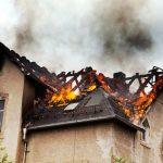 火事になった学校、車が燃える、火事から逃げる夢、消火器の意味は?