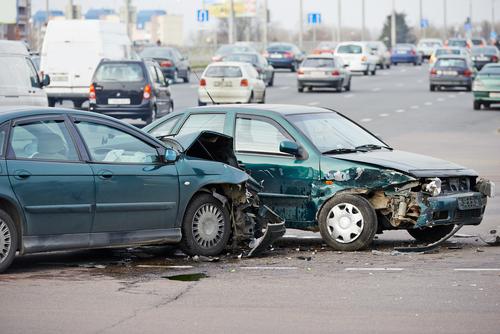 夢占い 車 ぶつける 事故