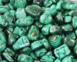 夢占い 緑 カエル 石 葉