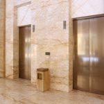 エレベーターが揺れたり、高いところで揺れる夢占いの意味は?