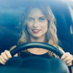 異性から逃げたり、車で走る夢占いの意味は?
