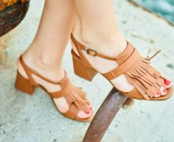 夢占い 茶色 服 靴