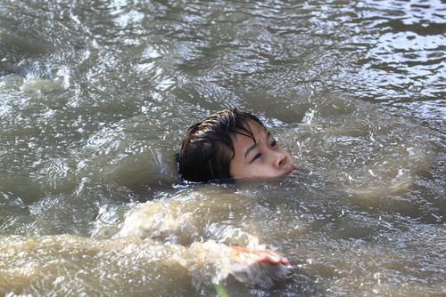 夢占い 溺れる 川 プール