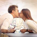 恋人とキスしたり喧嘩したり、泣いてしまう夢占いについて