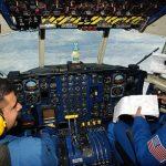 自分が操縦している飛行機が墜落しそうになるが助かる夢占いについて