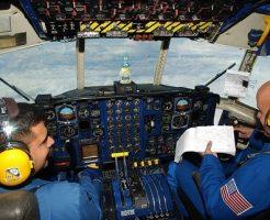 夢占い 飛行機 墜落 助かる 操縦