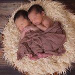 双子を妊娠したり、男の子の双子や、女の子の双子だった場合の夢占いの意味とは?