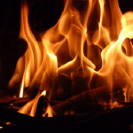 台所の火事を消したら、水浸しになってしまった夢を見たときの夢占いについて