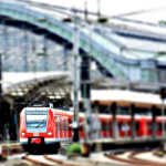 電車で忘れ物、電車が止まる夢占いの意味