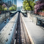 夢占いで知る、駅で電車を見送る夢の意味は?