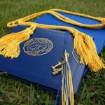 先輩が卒業する夢。卒業式で泣く夢。夢占いではどんな意味があるの?