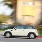 車の助手席に乗る夢、車でスピードを出す夢占いについて