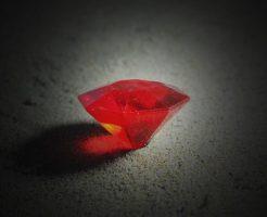 夢占い 宝石 原石 ルビー