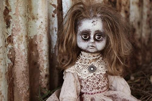 夢占い 人形 動く 怖い 襲ってくる