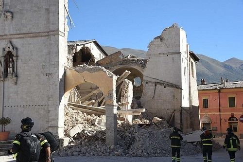 夢占い ビル 建物 爆発 崩壊 倒壊