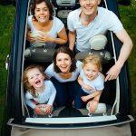 家族で車に乗る夢占いの意味は?