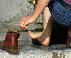 夢占い 靴 盗まれる 濡れる 洗う