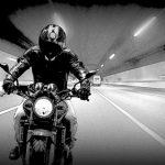夢占い。バスよりバイクなどのスピードを出す乗り物の夢を見た場合。