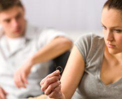 夢占い 知人 異性 離婚