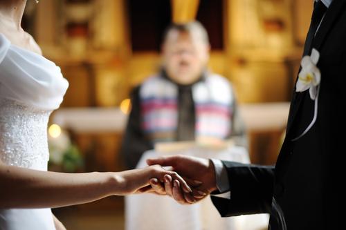 夢占い 知り合い 異性 結婚