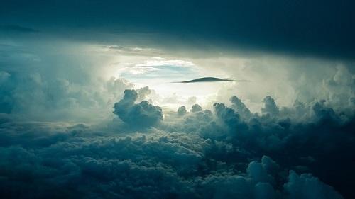 夢占い 龍 雲 海
