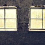 窓の光や暗闇の光の夢占いの意味とは!?