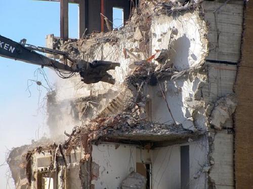 夢占い 建物 倒れる 壊れる 解体