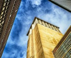 夢占い 建物 登る 迷う