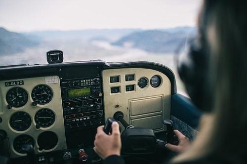 夢占い 操縦 ヘリコプター