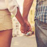 知らない男性が恋人になる夢や手をつなぐ夢占いの意味とは!?