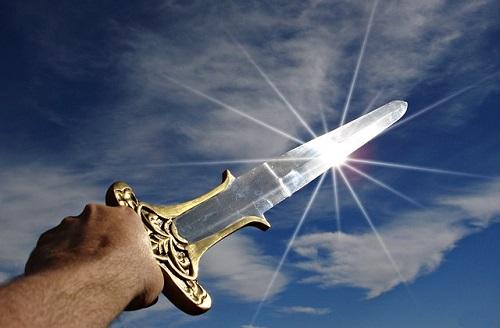 夢占い 戦う 剣 刀