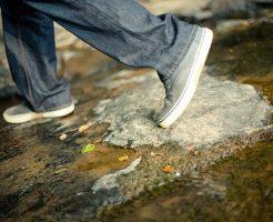 夢占い 歩く 遅い 足が重い