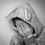 夢占いで知らない女性から告白される夢、泣く夢の意味は?