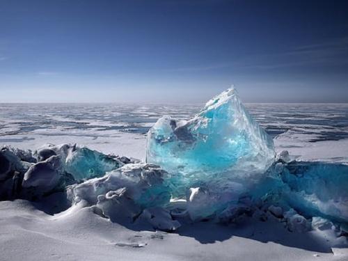 夢占い 湖 氷 凍る