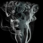 車が爆発したり、煙突から煙が出てくる夢占い