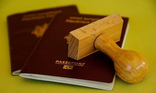 夢占い 海外旅行 パスポート 飛行機