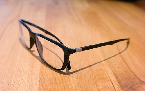 夢占い 眼鏡 買う 曇る 拭く 割れる