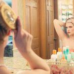 夢占いの鏡、自分や知らない人に関する夢は?