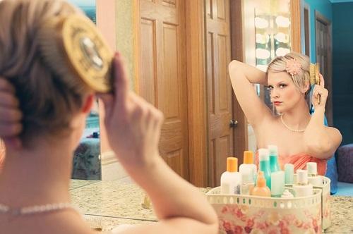 夢占い 鏡 自分 知らない人