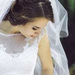 旅行や結婚式に遅刻した夢の夢占い