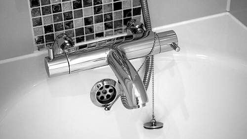 夢占い お風呂 洗う 狭い