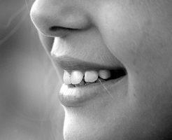 夢占い 歯 折れる 欠ける 割れる